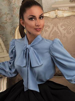 cf8b65fe029 Модные блузки с бантом на шее  фото красивых моделей