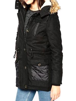 905dfba1cb4a Такая куртка сочетается с любыми вещами, вписывается в деловой стиль, при  этом активно эксплуатируется поклонницами стиля рок и глэм-рок. Черная  удлиненная ...