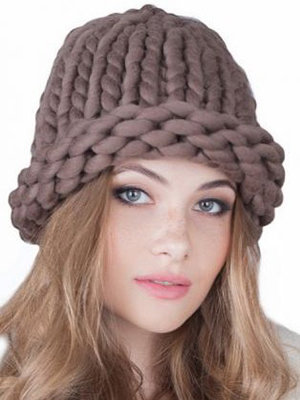 cc98fc62041e66 Types of knitted hats for women: Helsinki style (with photo)