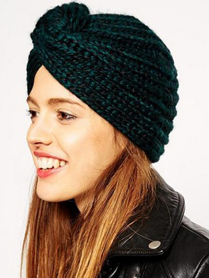 f2f9da5c48c307 In the photo - the styles of knitted hats in the form of turban, which will  suit the owners of the elongated face, these are mainly hats reaching the  ...